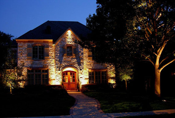 Landscape exterior home lighting dallas tx creative nightscapes Exterior accent lighting for home