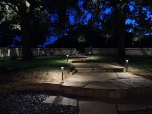 Creative Nightscapes is your premier residential and commercial LED Lanscape accent Lighting contractor that services the Dallas and Fort Worth Texas metropolitan area