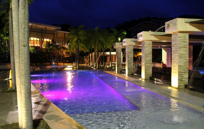 night-swimming-1427276406EvW